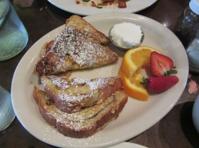 French toast and cream