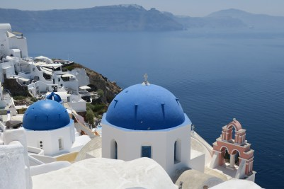 The view of the blue rooves in Oia